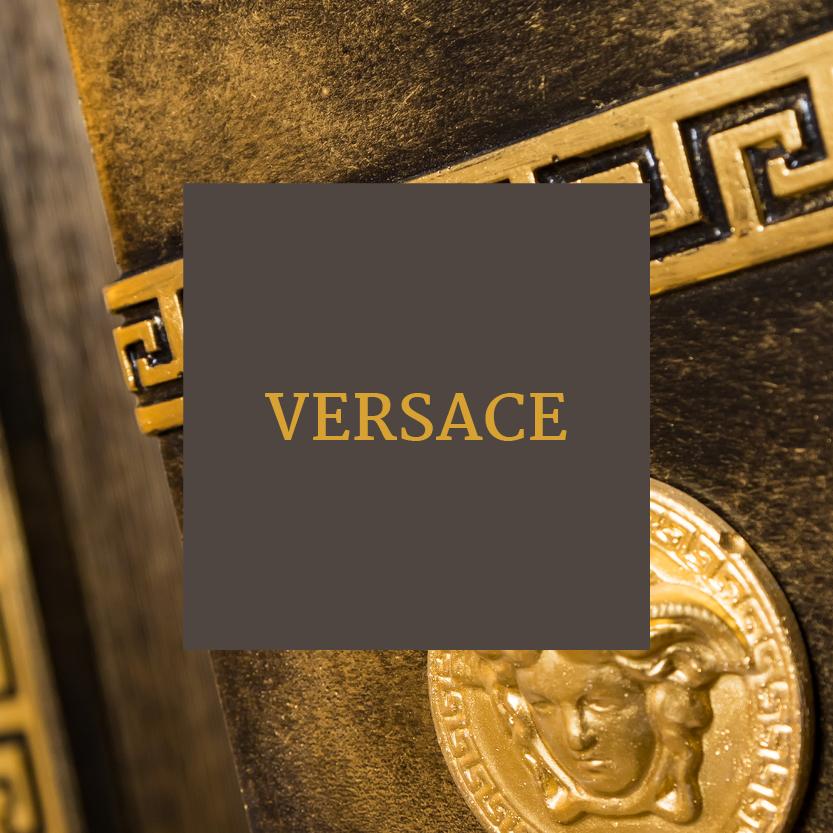 Freizeittempel Zimmer Medusa meets Meander 1 Versace